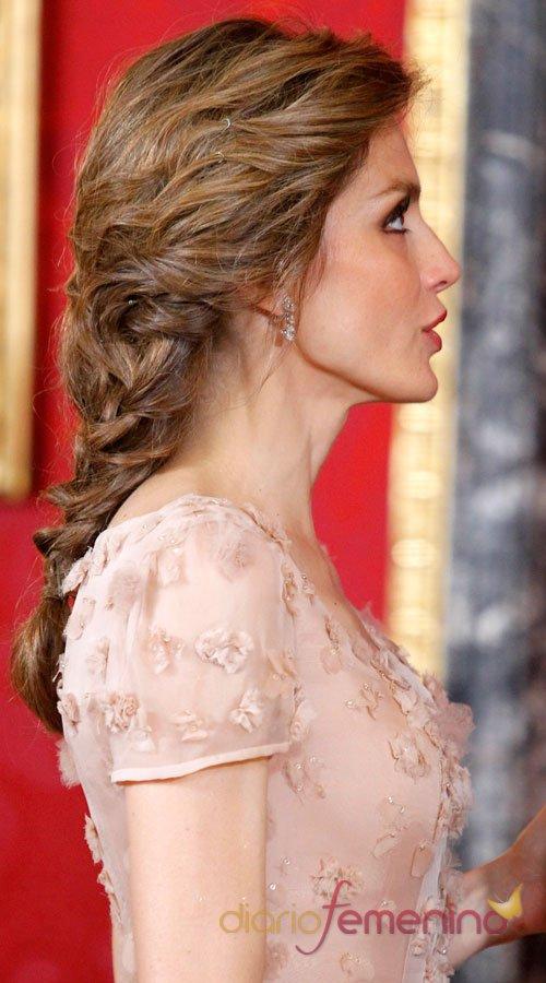 El peinado polémico de Letizia Ortiz, ¿natural o artificial?