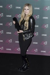 El look rockero de Avril Lavigne en los MuchMusic 2013