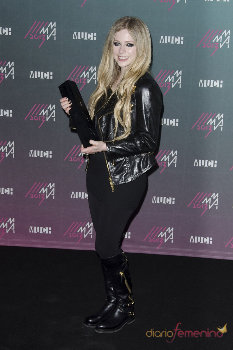 El look rockero de Avril Lavigne en los MuchMusic 2013
