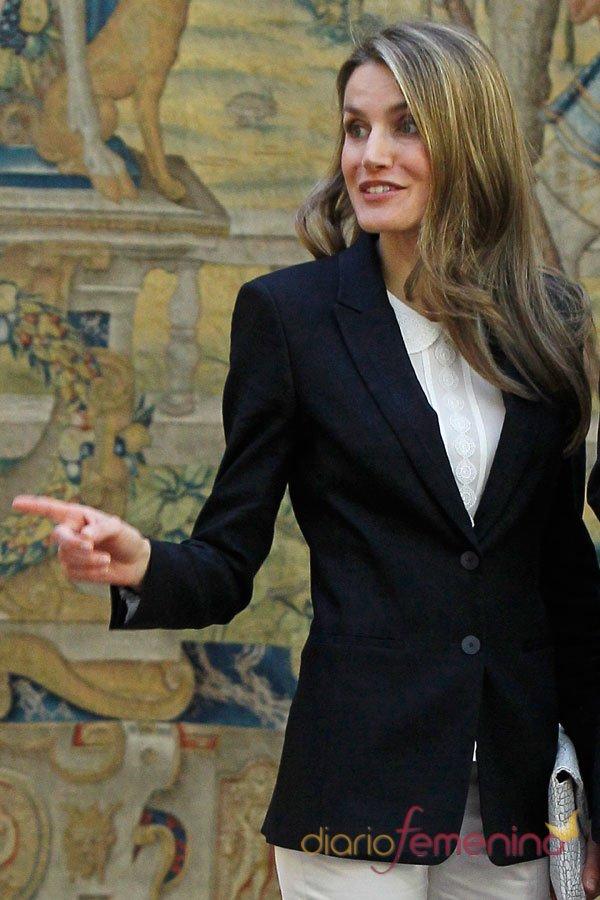 El look más serio de la princesa Letizia
