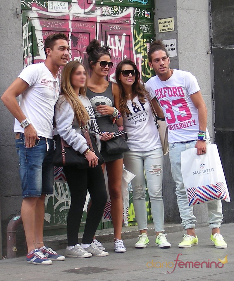 Sonia Walls y Kristian pasean por las calles de Madrid junto a Raky y Juan Carlos