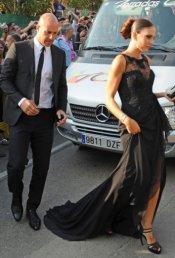 Pepe Reina y su mujer Yolanda Ruiz en la boda de Xavi Hernández y Nuria Cunillera