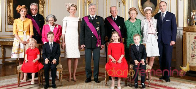 La familia real belga al completo