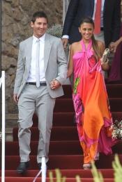 Antonella Roccuzzo acompañó a Messi en la boda de su compañero Iniesta