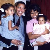 Barack Obama, el presidente de Estados Unidos, con sus hijas de pequeñas y su mujer Michelle