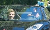David Beckham es un padrazo: paseo con su hijo Brooklyn en un deportivo