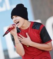 Austin Mahone canta en los MTV VMA 2013