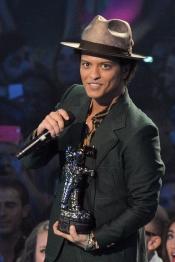 Bruno Mars, ganador de los premios MTV VMA 2013