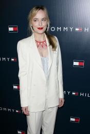 Dakota Johnson en 50 Sombras de Grey como Anastasia Steele