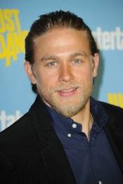 El seductor Charlie Hunnam en 50 Sombras de Grey como Christian