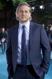 ¿Te gusta Charlie Hunnam como Christian en 50 Sombras de Grey?