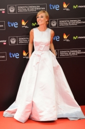 Cayetana Guillén Cuervo en la gala del Festival de Cine de San Sebastián 2013