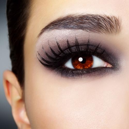 C mo maquillarse los ojos 39 ahumados 39 c mo maquillarse - Como pintarse los ojos de negro ...