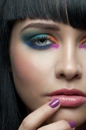 Cómo maquillarse con varios colores