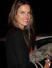 La modelo Alessandra Ambrosio, muy guapa hasta al natural