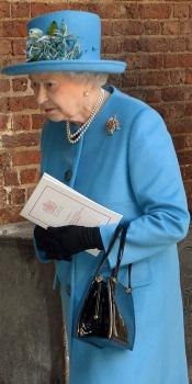 La reina Isabel II de Inglaterra, en el bautizo del Príncipe Jorge