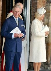 El príncipe Carlos de Inglaterra en el bautizo del príncipe Jorge