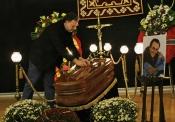 El triste funeral de Manolo Escobar: el adiós a un artista