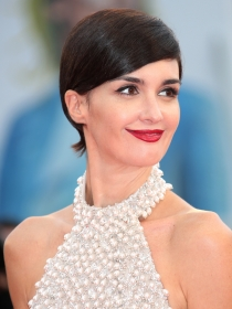 Festival de Venecia 2015: Las famosas brillan en la red carpet