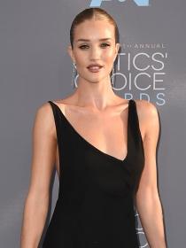 Rosie Huntington Whiteley y las mejor vestidas de la semana