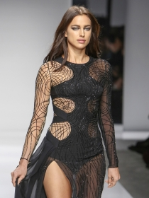 Irina Shayk y otras famosas brilan en Paris Fashion Week 2016