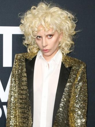 Lady Gaga y otros famosos apoyan el desfile de Saint Laurent