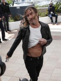 Las fotos más inquietantes de Iggy Pop en Cannes 2016