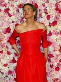 Renée Zellweger y las famosas mejor vestidas de la semana