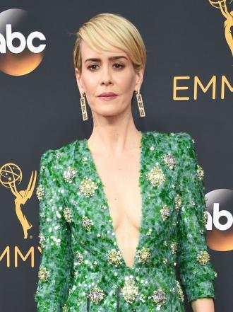 Emmys 2016: Sarah Paulson y otras famosas en la red carpet
