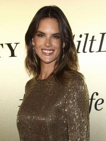 Alessandra Ambrosio y las famosas mejor vestidas de la semana