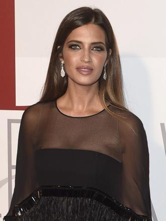 Sara Carbonero y las mejor vestidas de los Premios ELLE