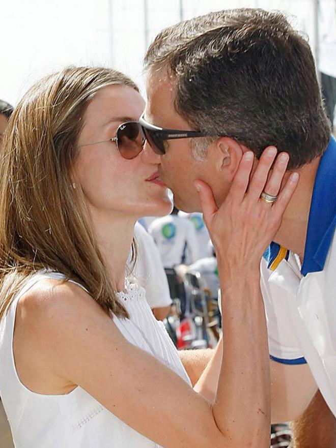 Letizia y el Príncipe Felipe, las mejores fotos de su amor