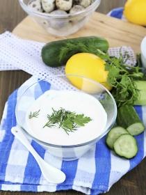 Tzatziki, salsa griega de pepino y yogur