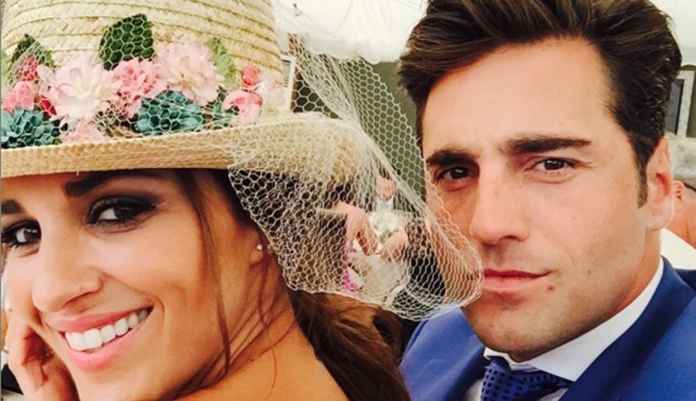 Paula Echevarría, todo glamour en la boda del hermano de Busta