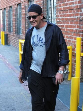 Charlie Sheen portador del sida, el exceso le pasa factura