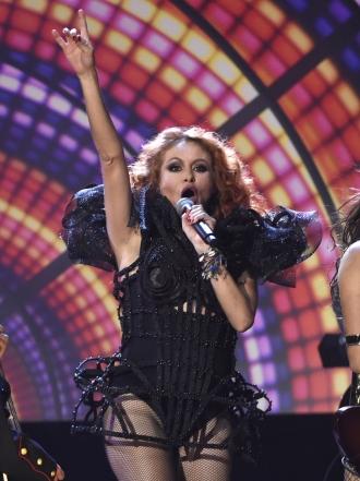 Si te vas: Lo nuevo de Paulina Rubio, ¿un canto a Colate?