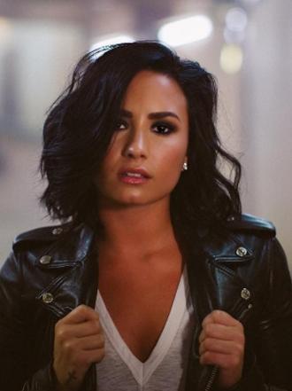Demi Lovato, celosa de Minka Kelly, tira indirectas a Wilmer