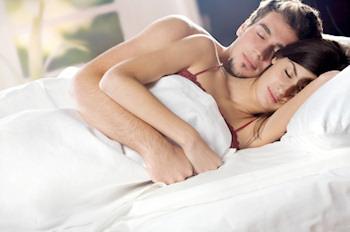 Matrimonio feliz contra el insomnio