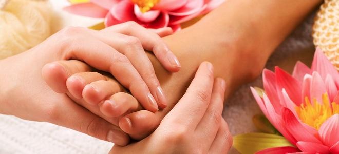 Masajes en los pies con reflexología