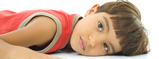 Cómo ayudar al niño que hace pis en la cama