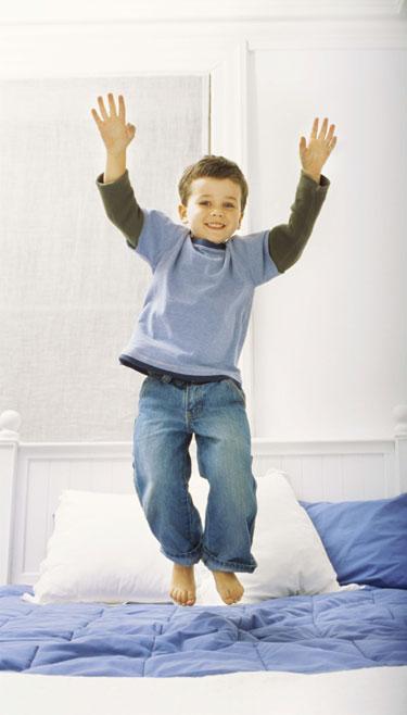 Tratamiento para a un niño que moja en la cama