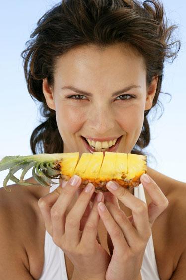 Cómo la piña ayuda en la digestión