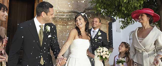 Protocolo de vestir y maquillaje para una boda