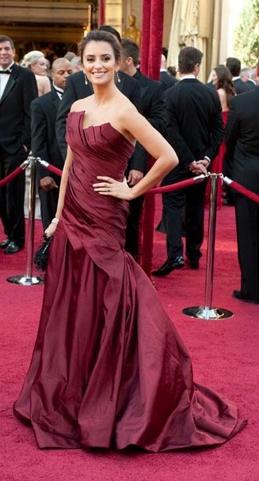 Vestido Donna Karan de Penélope Cruz en los Oscars 2010