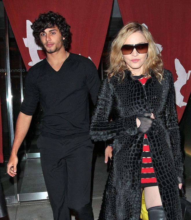 Madonna de Material Momy y novio Jesús Luz de Boy Toy