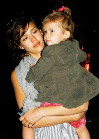 Jessica Alba con su hija