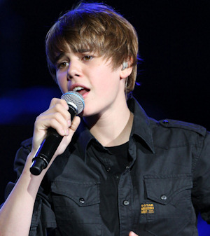 Justin Bieber cantando