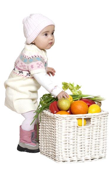 Frutas y vegetales bien lavados para los niños y bebés