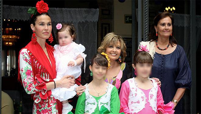 María Teresa Campos y famosos en la Feria de Abril 2010 en Sevilla