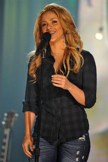 Shakira marca el ritmo del Mundial Sudáfrica 2010 con WAKA WAKA